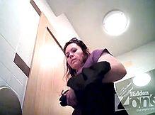 Два сюжета снятых камерой в туалете
